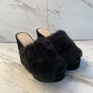 Public Desire Faux Fur Fluffy Black Mules. S703